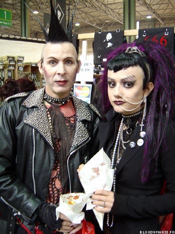 Deux gothiques photographiés au Wave Gotik Treffen
