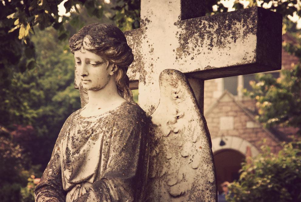 Une statue au cimetière de Jersey