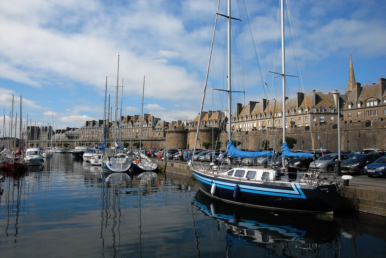 saint malo chat sites Saint-malo also holds many cultural and sporting events such as la route du rhum yacht race and the tall ships race as well as the etonnants wwwfortnationalcom.
