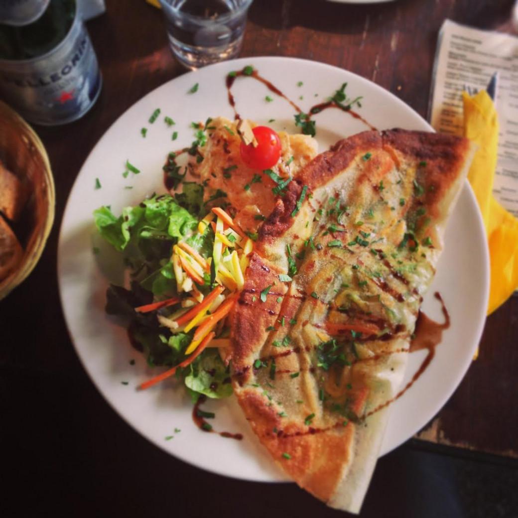 La délicieuse crèpe végé du Lézard Café