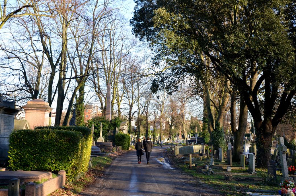 Allée du cimetière de Kensal Green