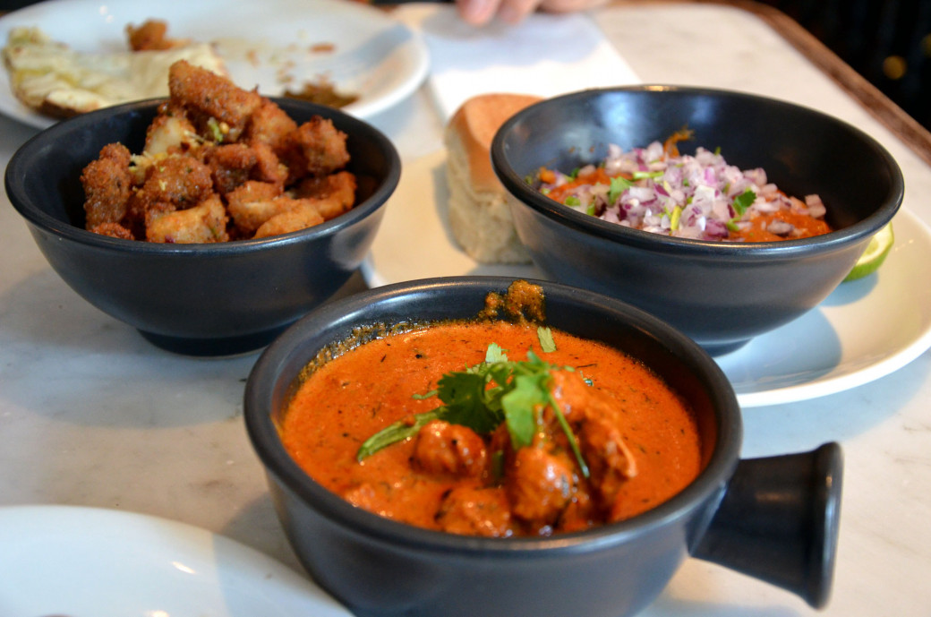 Curry de poulet et calamars au Dishoom