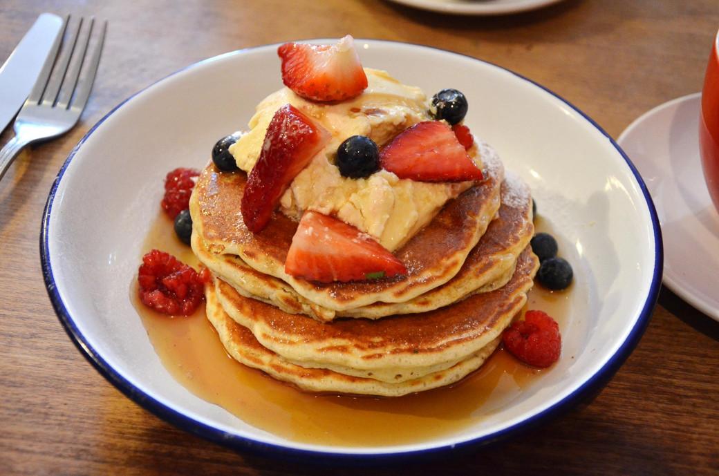 Pancakes & Berries chez Breakfast Club