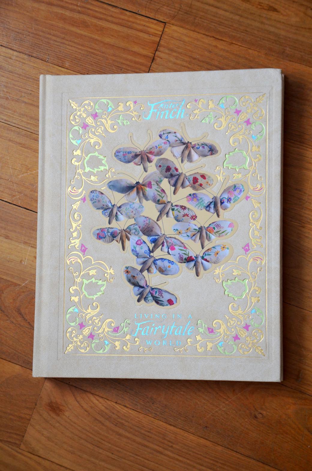 «Living in a Fairytale World» de Mister Finch