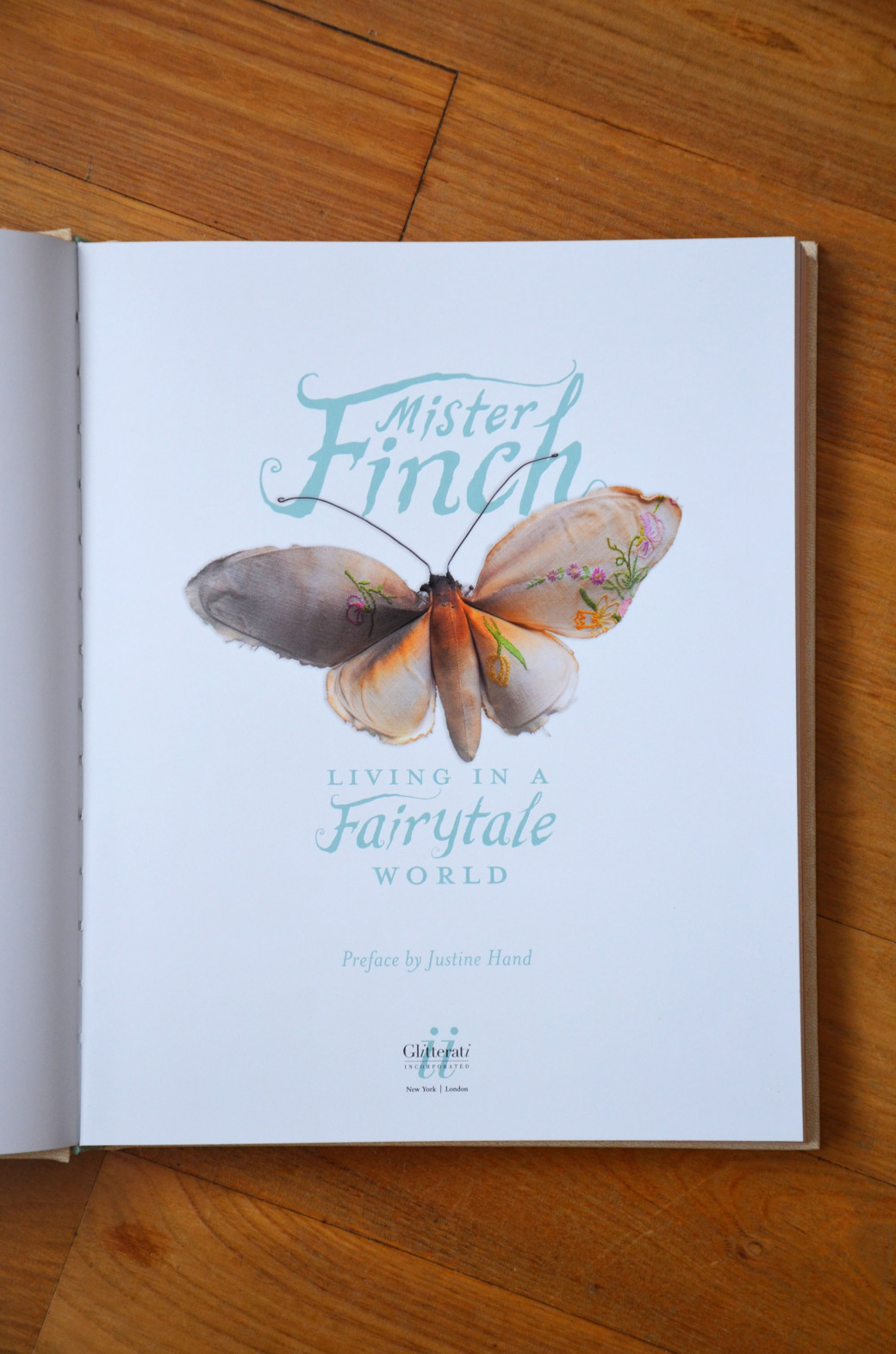Extrait du livre «Living in a Fairytale World» de Mister Finch
