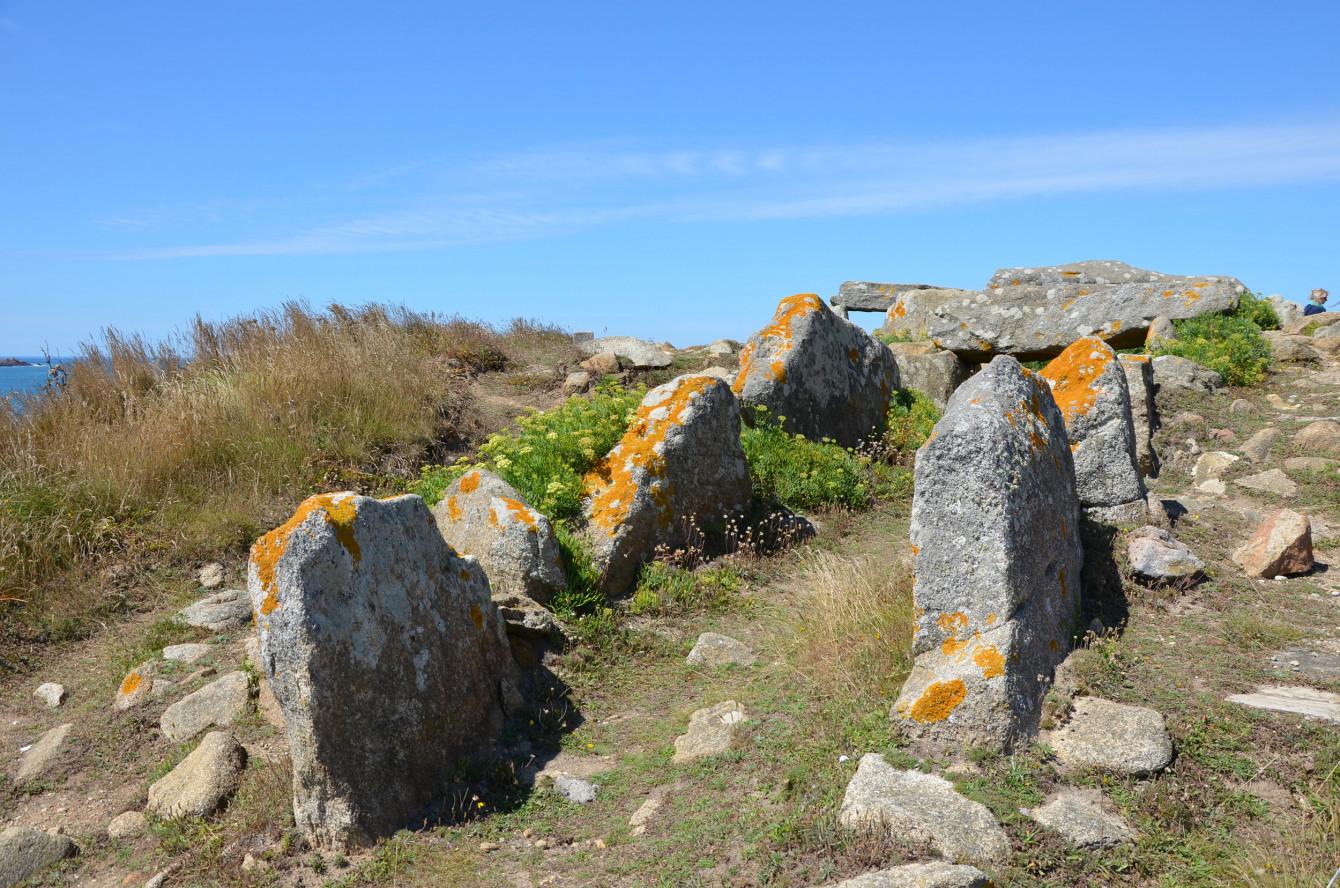 Dolmen néolithique à la Pointe de la Torche