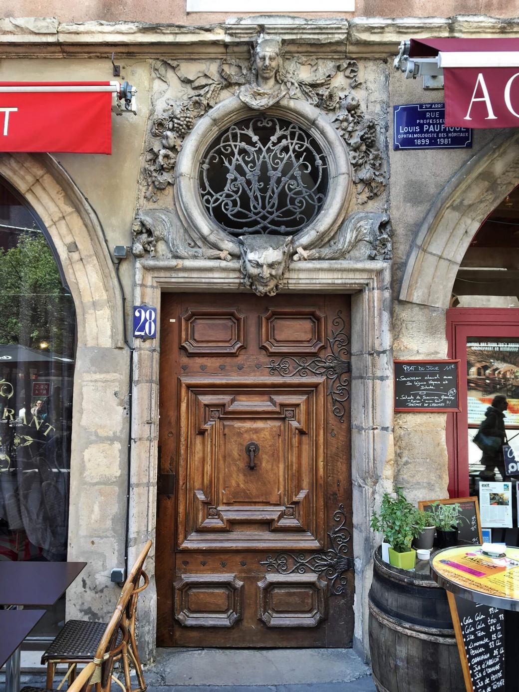 La porte de la Belle Cordière