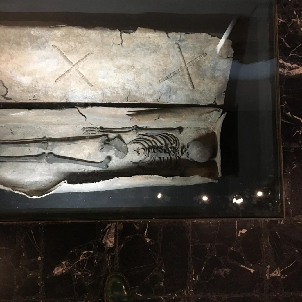 Marcher sur des squelettes
