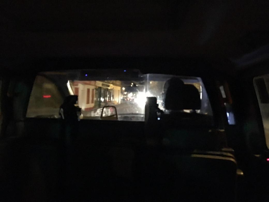 Dans le taxi pour retourner à l'hôtel